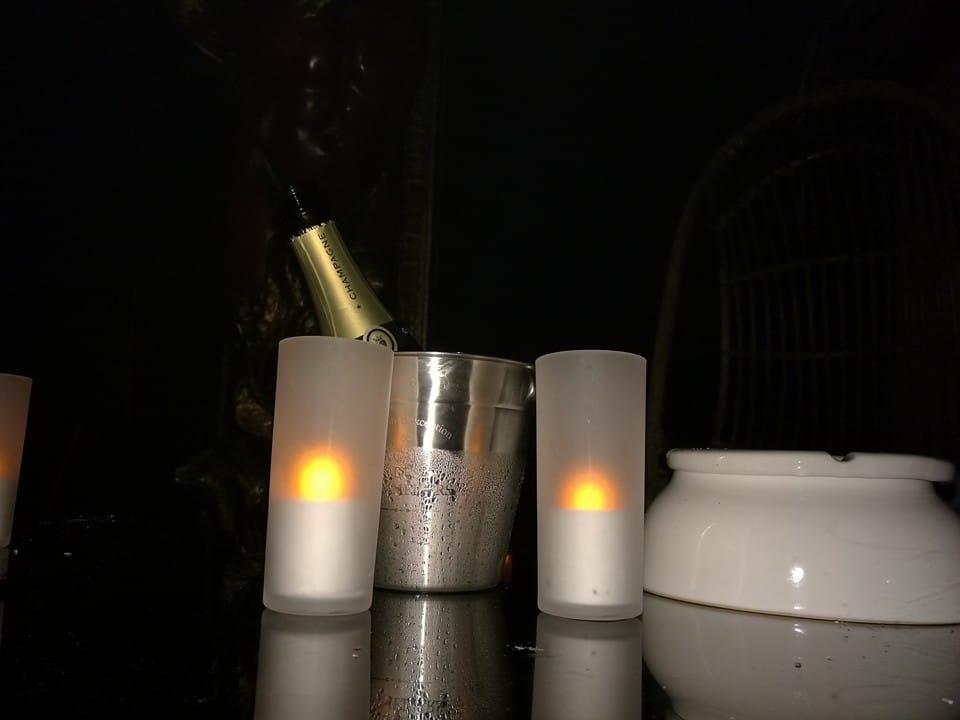 rencontre libertine dijon aperitif champagne belle table boite de nuit