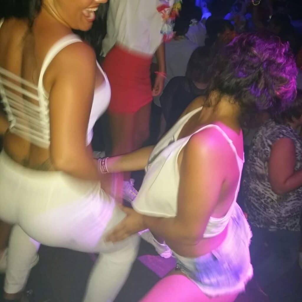 rencontre libertine dijon filles chaudes dancefloor