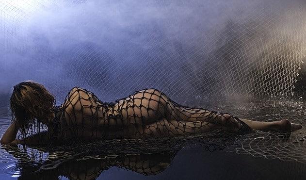 rencontre libertine nice femme plage filet eau nuit